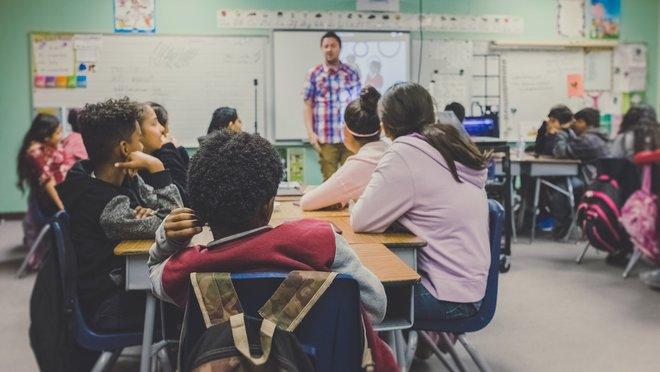 La difusió dels drets infantils a les aules
