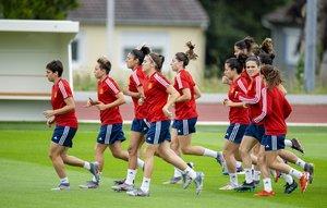 Las jugadoras españolas, en el entrenamiento del domingo previo al encuentro ante China.