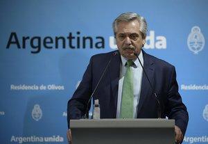 El presidente de Argentina, Alberto Fernández, anunció que toda la población deberá guardar un aislamiento obligatorio.