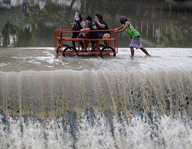 Debido a la pandemia de covid-19, las labores de evacuación se han complicado.