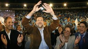 Francisco Camps, Mariano Rajoy, Rita Barberá y Federico Trillo, en un mitin en Valencia en la campaña de las generales del 2008.