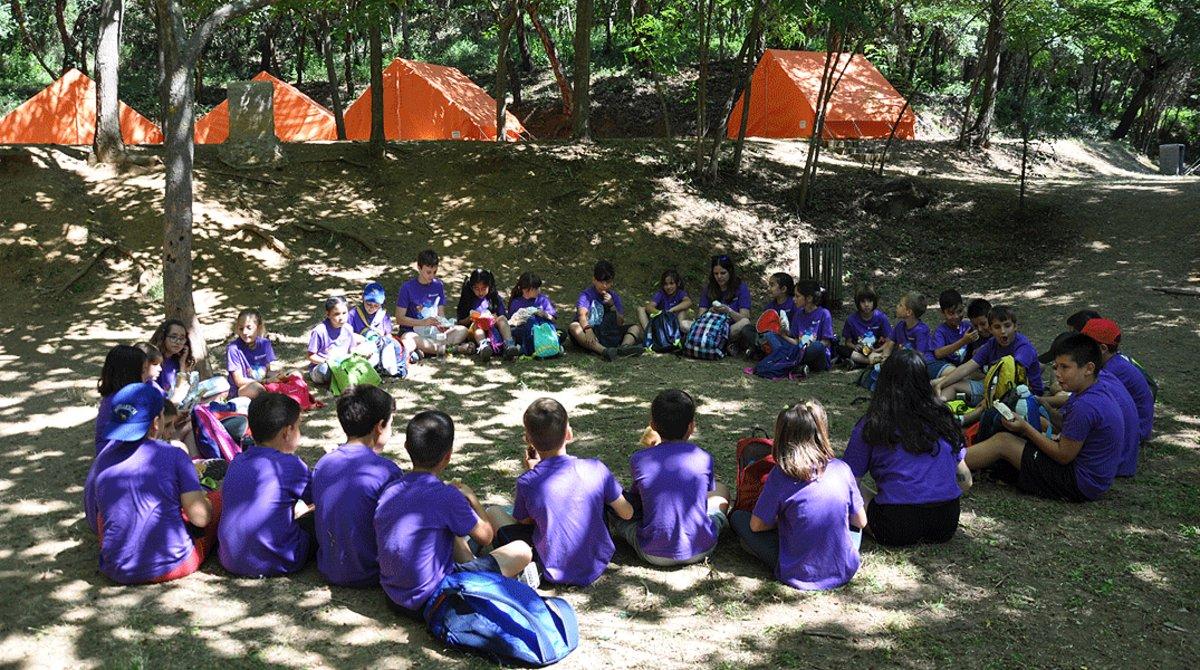 Un grupo de niños, durante una actividad de Fundesplai.
