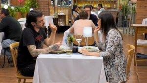 Gustavo y Soraya en 'First Dates'