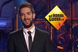 David Broncano se pasa por una noche a Antena 3 para visitar por primera vez 'El Hormiguero'