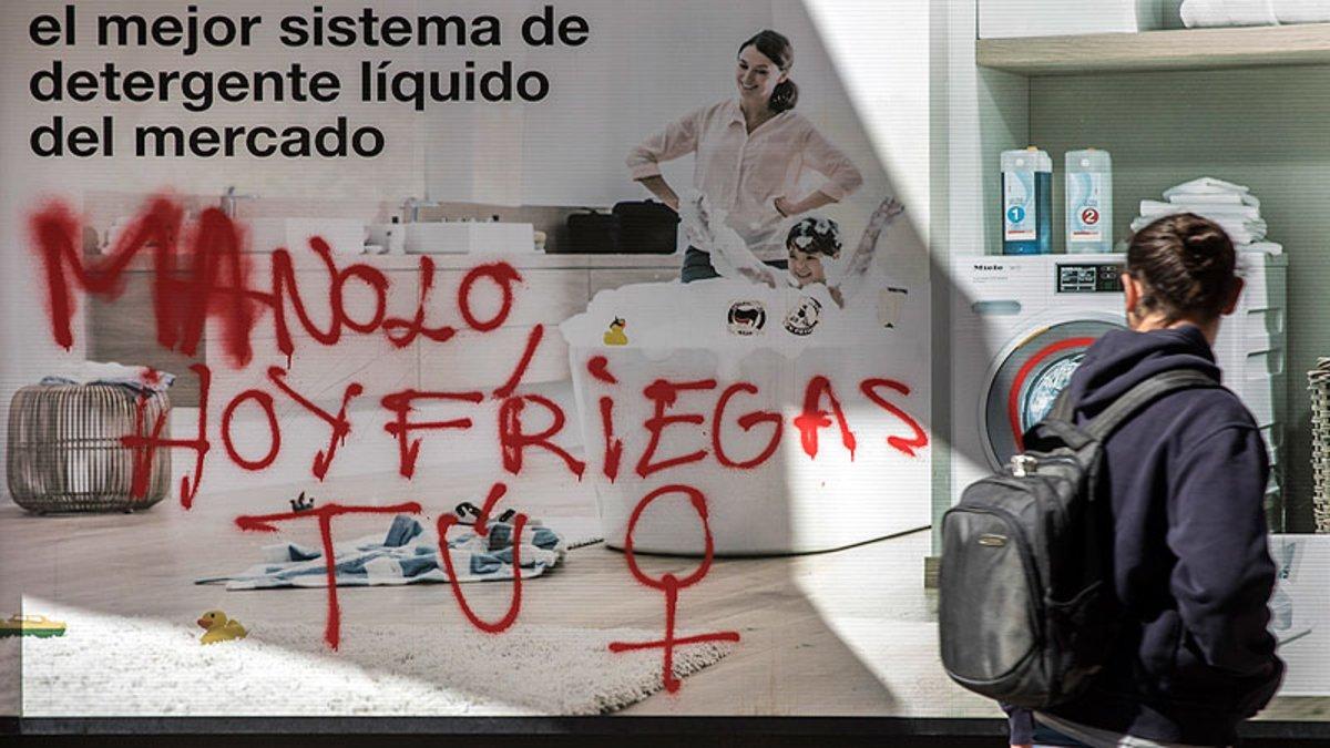Pintada feminista el 8 de marzo del 2018 en Valencia.