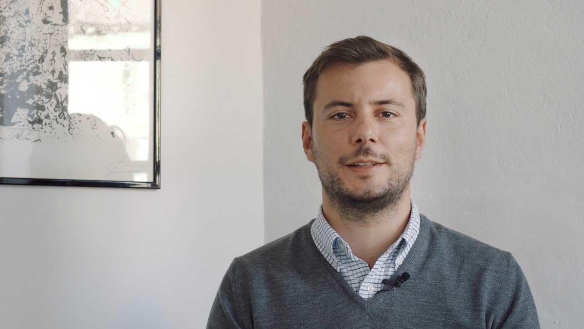Imagen del fundador de la empresa.