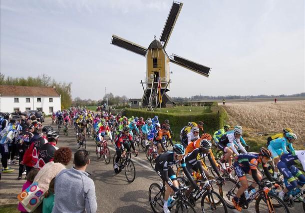 Imatge de postal de lAmstel Gold Race, aquest diumenge, a Holanda.
