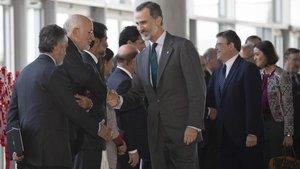 El Rey, a su llegada al Congreso del Instituto de la Empresa Familiar, en València.
