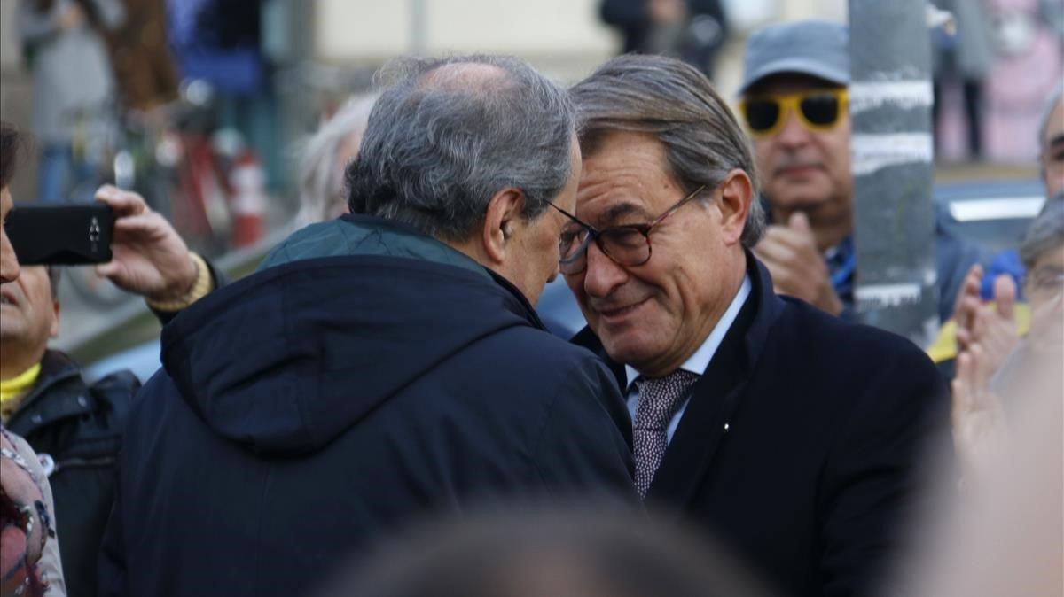 El jefe del Govern, Quim Torra, y el 'expresident' Artur Mas, el pasado noviembre, en Barcelona.