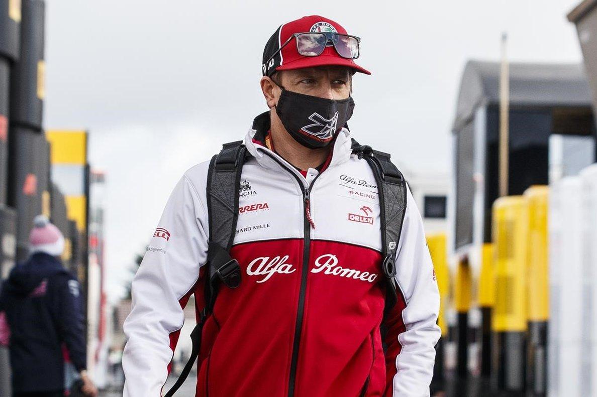 Kimi Raikkonen, a su llegada al circuito de Nurburgring donde se disputa este domingo el GP Eifel