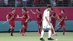 Los belgas celebran un gol en la final del Europeo de hockey hierba.
