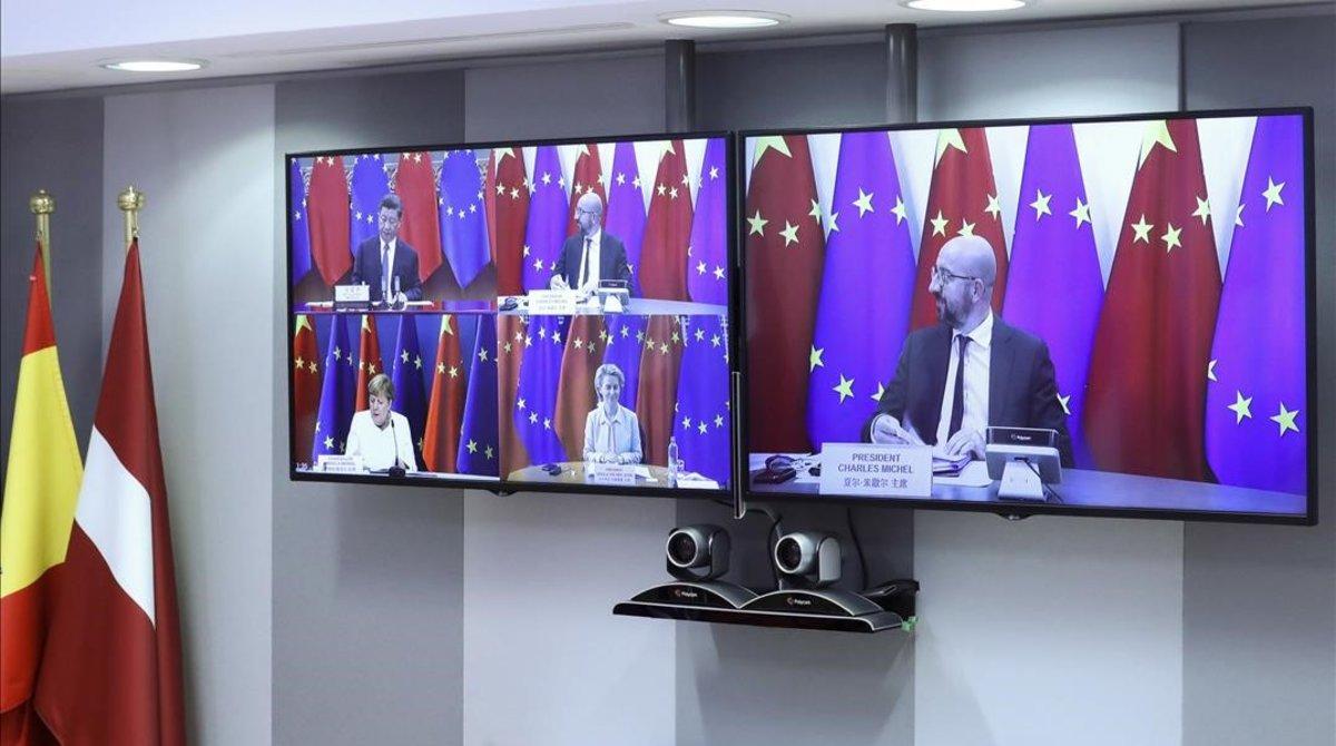 Los dirigentes de la UE y el presidente chino, Xi Jinping,se comunican por videoconferencia.
