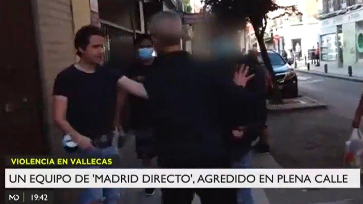"""Agreden a un equipo de 'Madrid directo' en Puente de Vallecas: """"Le han partido la nariz"""""""