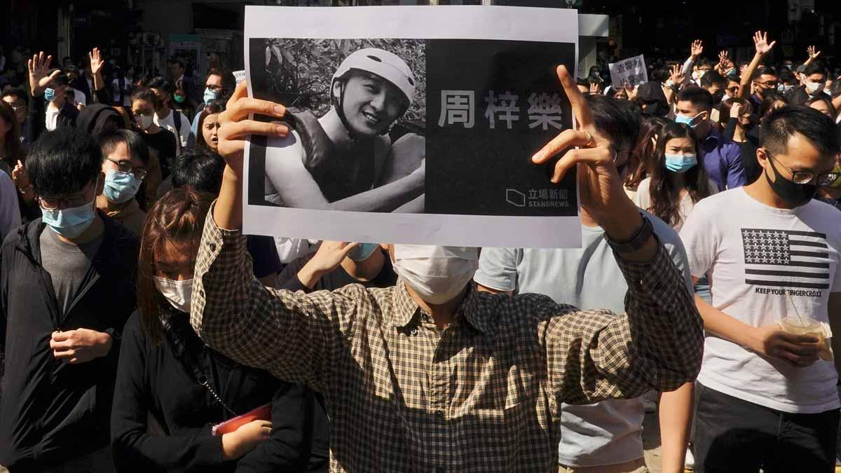 Manifestación en Hong Kong en contra de la violencia policial