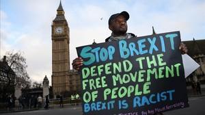 Un manifestante contra el brexit y a favor de la libre circulación.