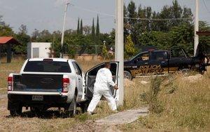 La policía del estado de Jalisco, México,descubre fosas clandestinas.