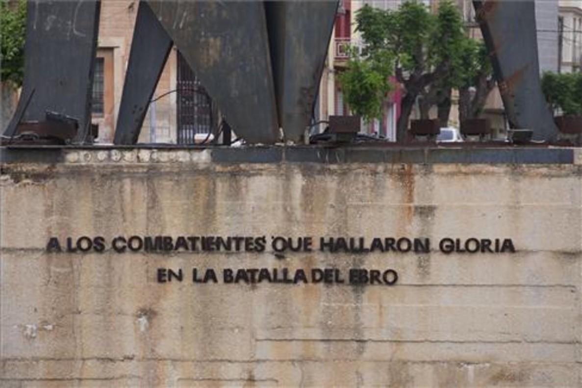 Monumento franquista a la Batalla de l'Ebre.