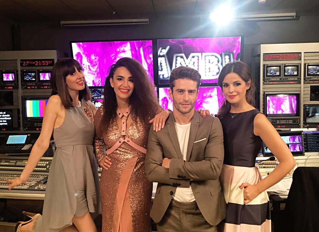Natalia Ferviú, Cristina Rodríguez, Pelayo Díaz y Marta Torné, los estilistas y la presentadora de 'Cámbiame'.