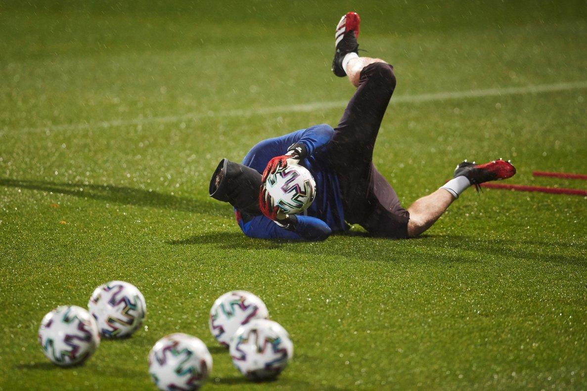 Neto, en el último entrenamiento antes del partido de Copa.