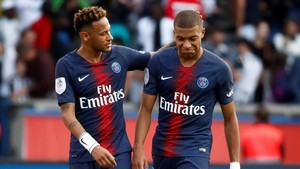 Neymar y Mbappe ante el Angers.