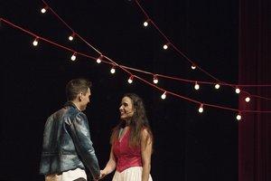 Edgar Martínez y Anna Lagares interpretan a los protagonistas.