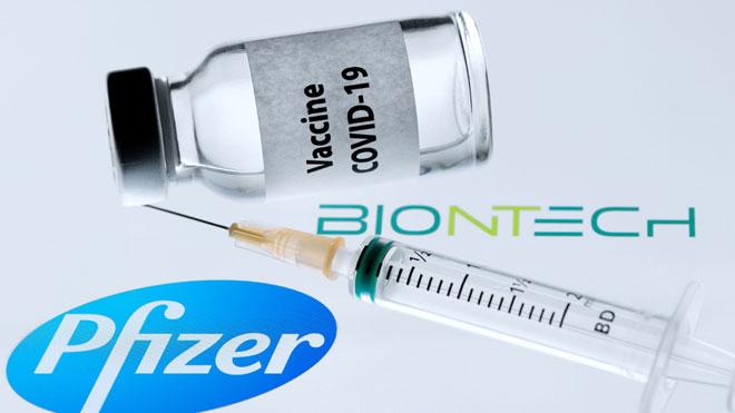 Pfizer y BionNtech solicitan autorización para distribuir su vacuna en la UE.