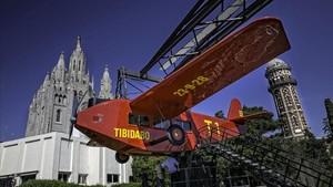 El popular avión del Tibidabo tiene un lugar especial en el recuerdo de los protagonistas de la novela.