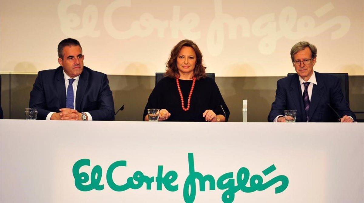 La presidenta de El Corte Ingles,Marta Álvarez (centro);junto al consejero delegado de retail, Víctor del Pozo (izquierda),y el secretario del consejo de administración,Antonio Hernáandez-Gil.