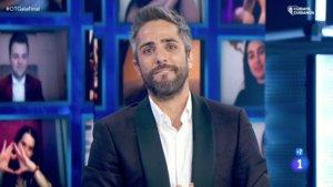 Roberto Leal despidiéndose de la audiencia de 'OT 2020'.
