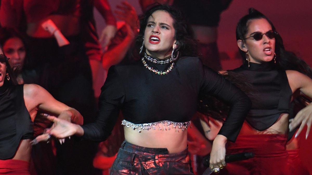 Rosalía se encumbra sobre el escenario de los MTV EMA Sevilla