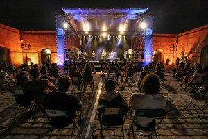 Aspecto de los conciertos nocturnos en el Castell de Montjuïc.