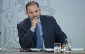 El secretario de Organización del PSOE y ministro de Fomento, José Luis Ábalos, en una rueda de prensa.