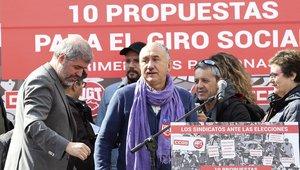 Los secretarios generales de CCOO, Unai Sordo, y de UGT, Pepe Álvarez, durante la presentación en Madrid del dec‡álogo de propuestas a los paritodsante las elecciones generales del 28 de abril.