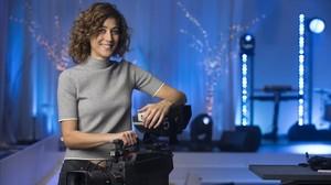 La periodista Helena Garcia Melero, en el plató donde discurrirá La Marató de TV-3 de este año, dedicada a las enfermedades infecciosas.