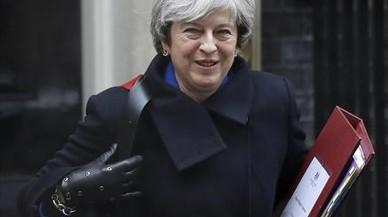May se impone a una rebelión de los conservadores más eurófilos sobre el 'brexit'