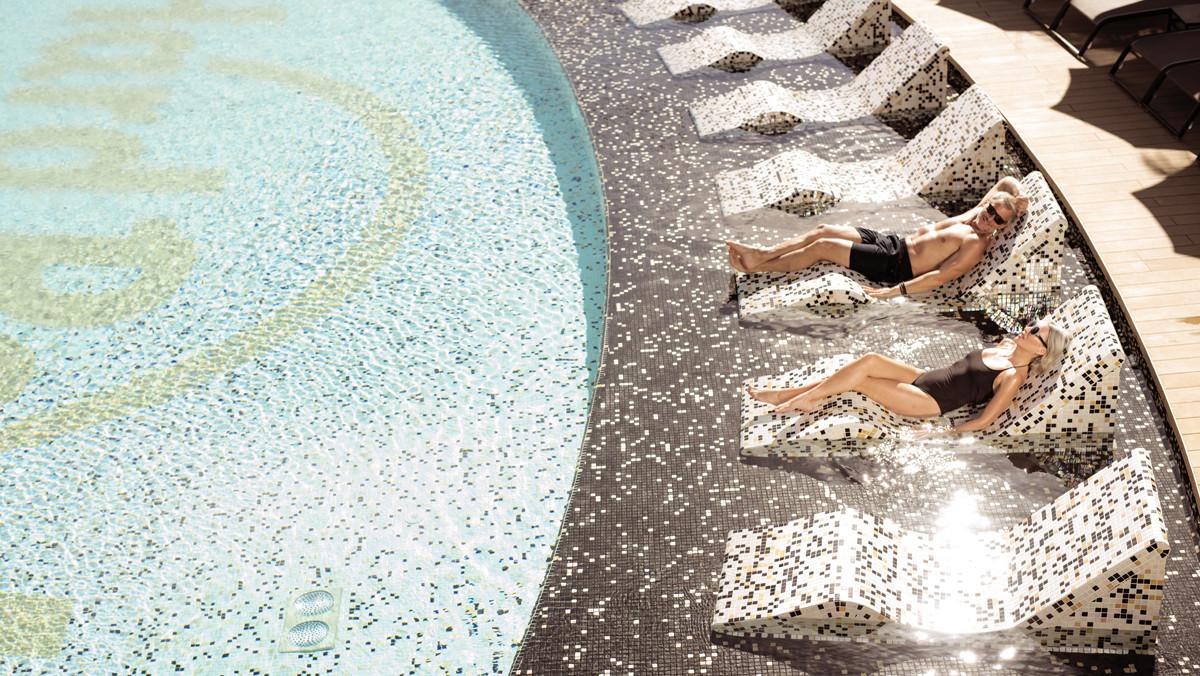 Una de las piscinas del hotel.