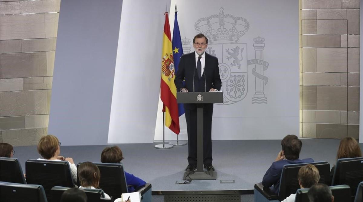Mariano Rajoy, este miércoles por la noche, durante la declaración institucional en la Moncloa.