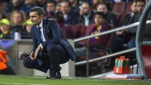 Valverde, en la banda del Camp Nou.