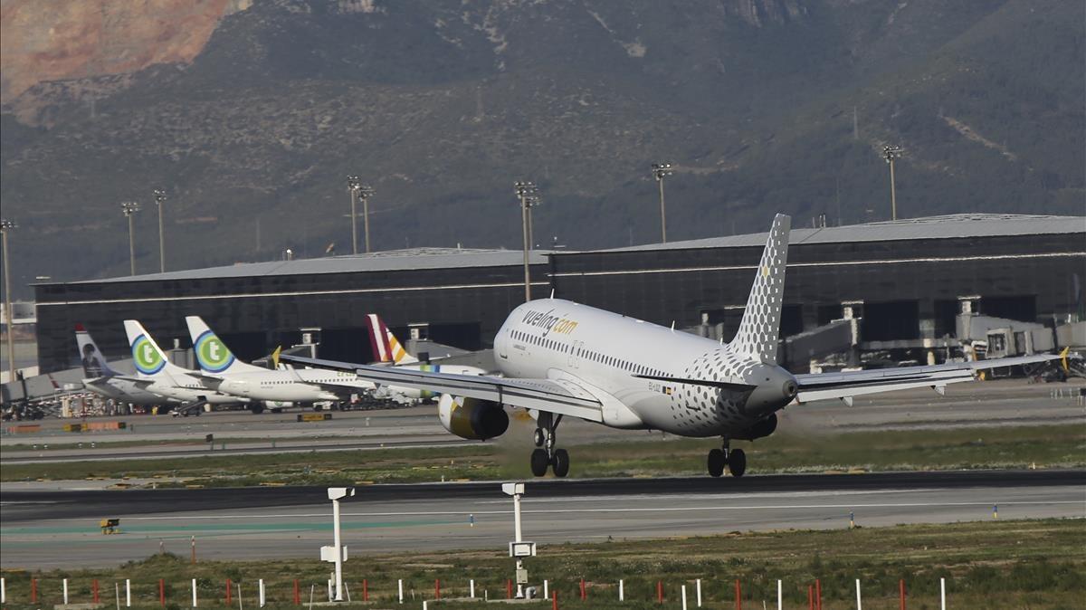 Cancel·lats 246 vols de Vueling en dos dies per la vaga de pilots | Llista completa