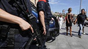 Trobat un cadàver amb signes de violència a la Barceloneta