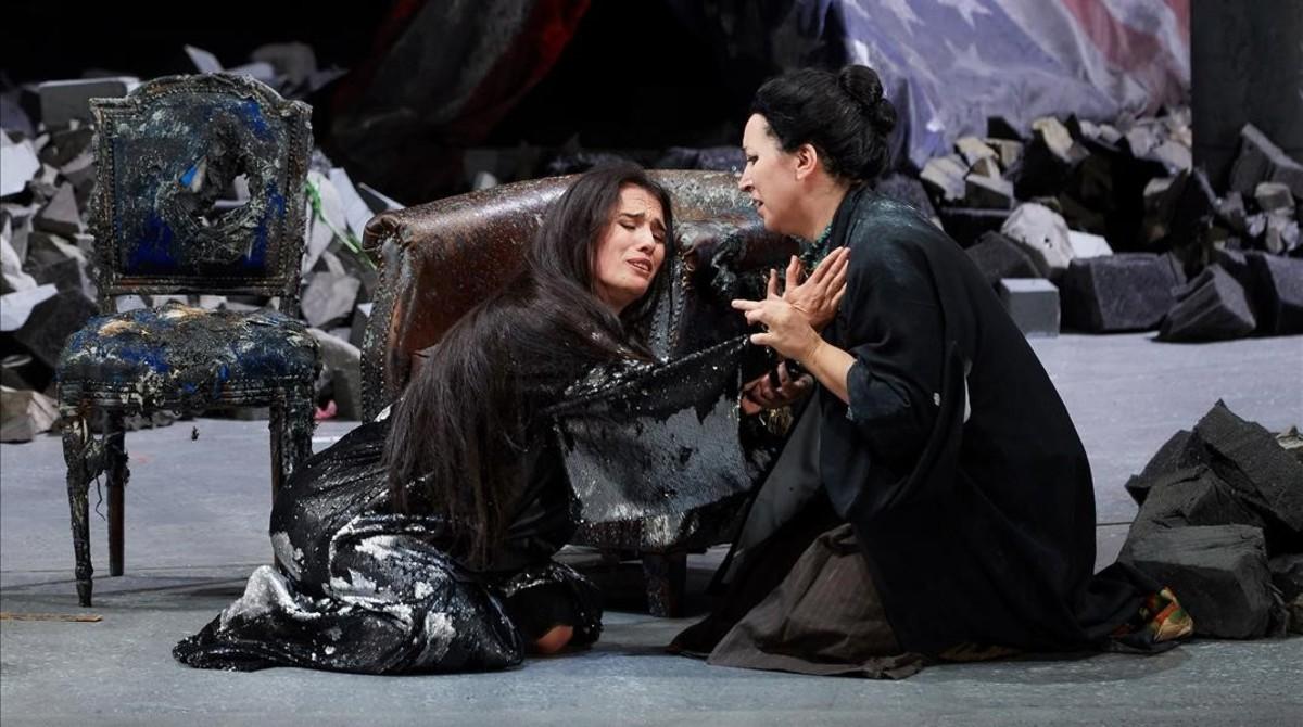 Una de las escenas de la óperaMadama Butterfly interpretada en Peralada.