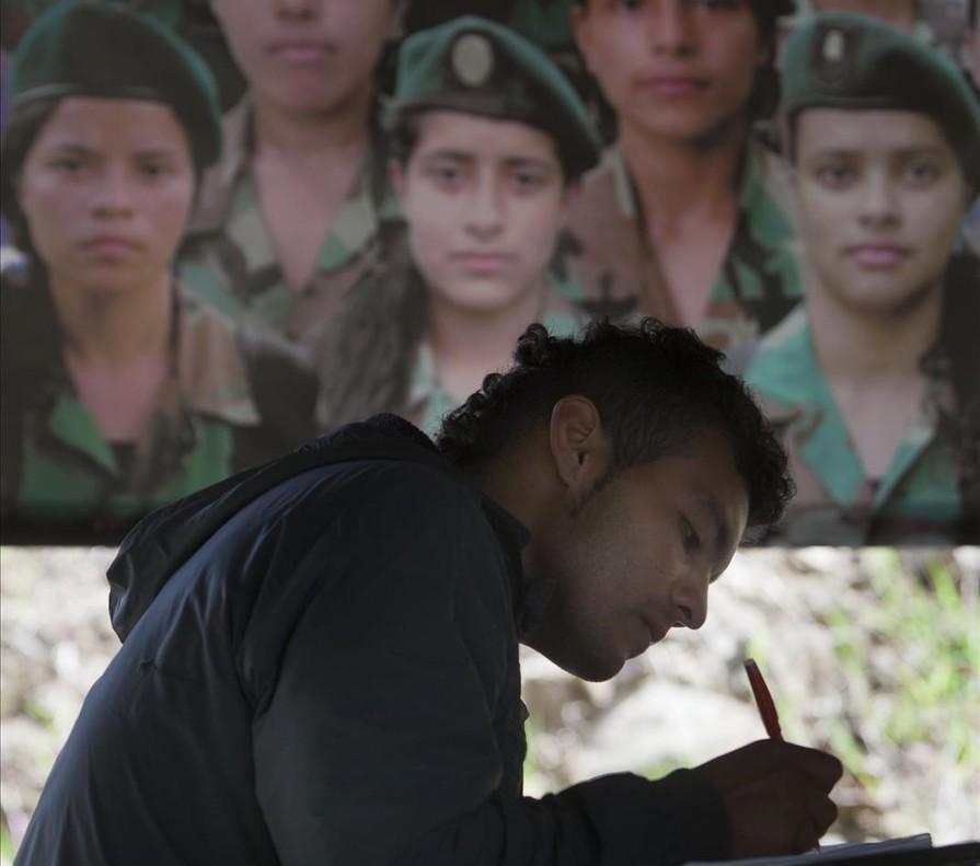 Las FARC: un año de difícil descompresión