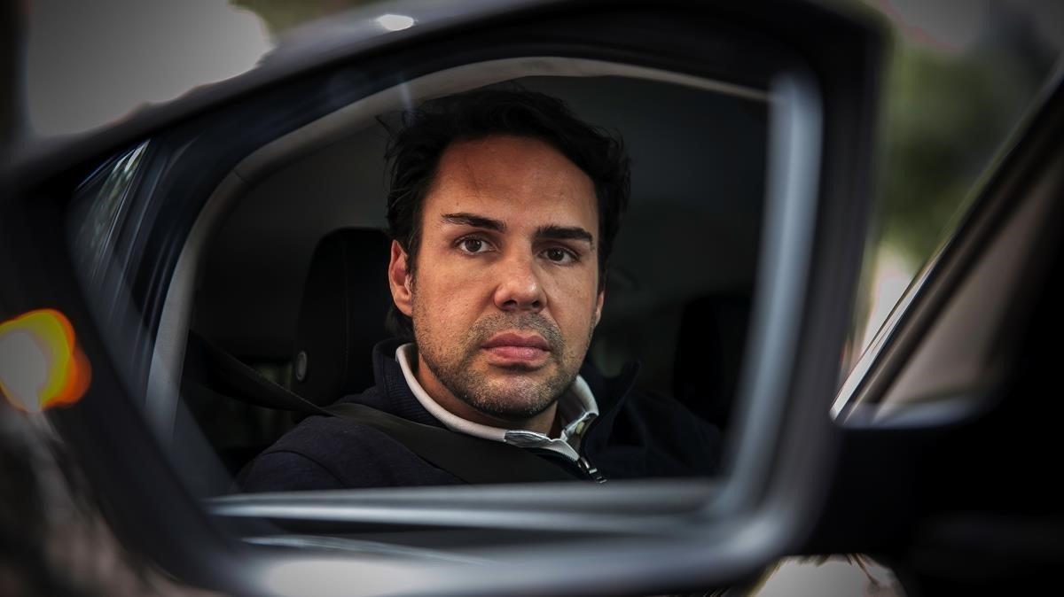 Eduardo Martín, tras la entrevista, en el interior de un Cabify.