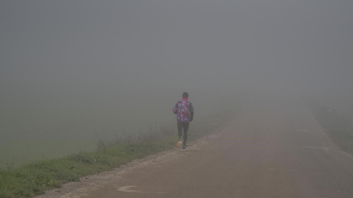 Boira a Lleida: la vida en blanc i negre