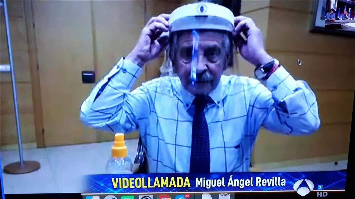 'Mascarilla' Revilla