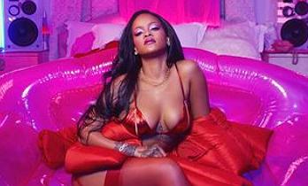 Rihanna hace un alto en su retiro para mostrar su lencería para San Valentín