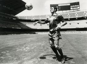 1988 Valverde, en el Camp Nou, en su presentación como jugador.