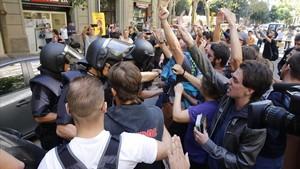 La Policia Nacional va vigilar el 20-S la seu de la CUP hores abans d'assetjar-la