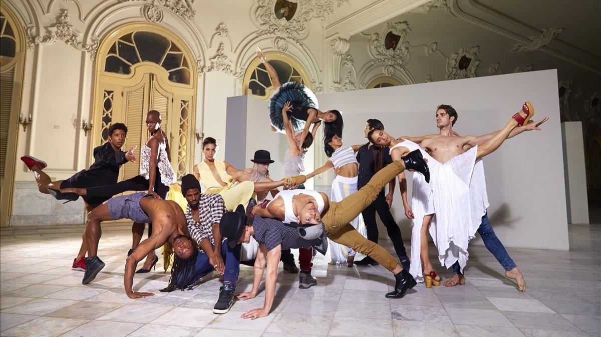 Otra imagen promocional de la compañía Acosta Danza.