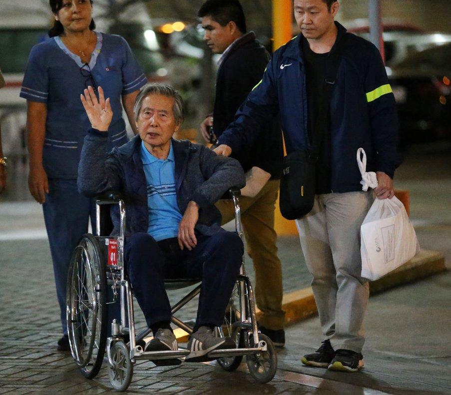 Fujimori fue condenado en 2009 a 25 años de prisión como autor mediato (con dominio del hecho) de las matanzas de Barrios Altos (1991) y La Cantuta (1992).